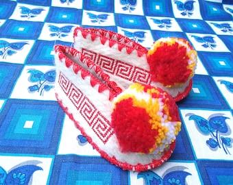 Kids Greek Slippers Size 22 / UK5,5 / wool / leather / pompom