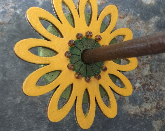 Woolpops Daisy Hand Finished Fancy Top Whorl Drop Spindle