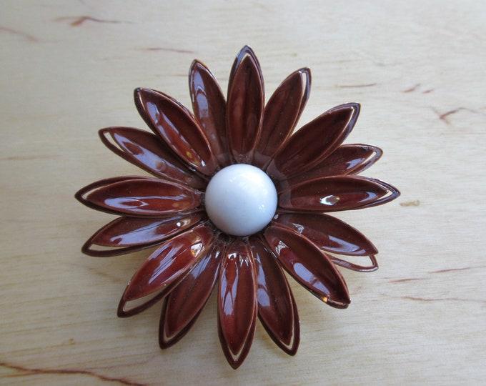 Insouciant Studios Brown Vintage Enamel Daisy Brooch Pin