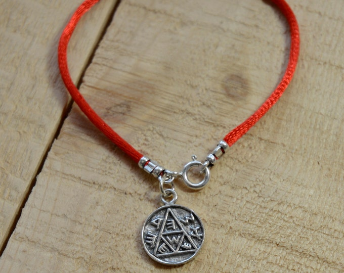 Pregnancy Amulet on Red String