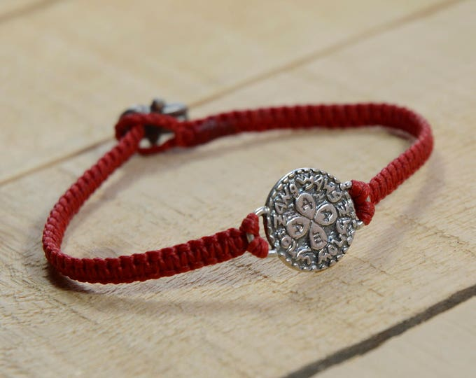 Love Amulet on Hand Woven Red Charm Bracelet for Men and Women, Love Bracelet for Women