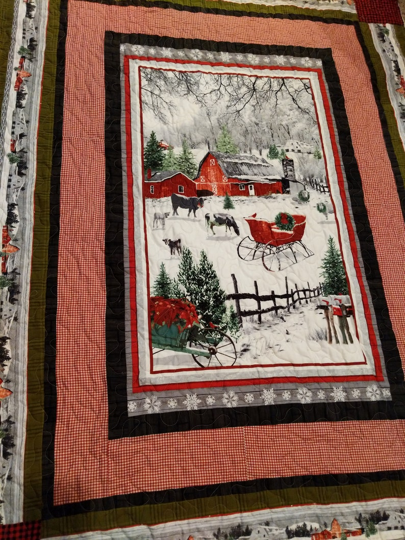 Red Barn Christmas quilt image 0