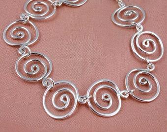 Maxi Swirl Necklace