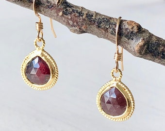 Earrings: Dainty/Simple