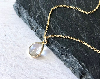 Necklaces: Dainty/Simple