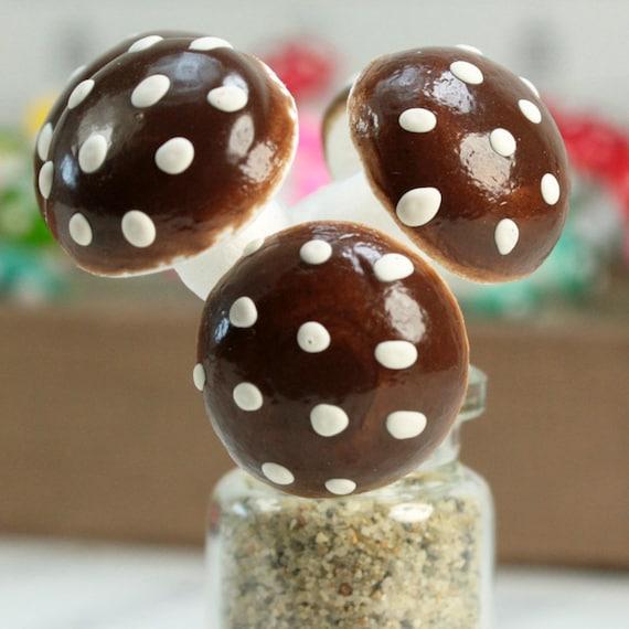 "Set of 10-6-703-1200 Red Sun Cotton Mushrooms Large 1//2/"""