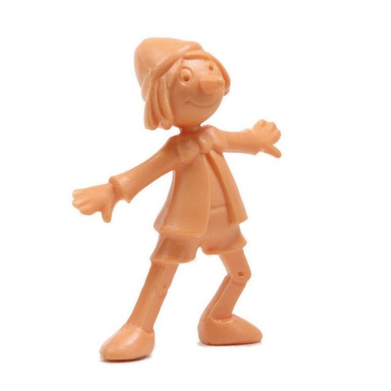 "Plastic Die 1 3//4/"" Tall Set of 3-203-3-087 Cast Dancing Little Boy"
