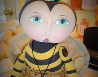 Primitive bee doll, Bumble Bee, Primitive Doll Pattern, animal dolls, prim bee pattern, fabric doll, epattern