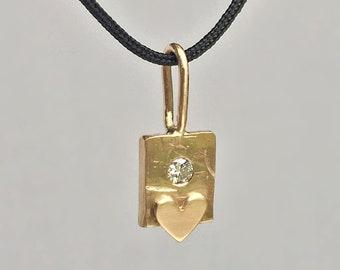 14k Gold Tiny Heart Charm Necklace