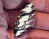 Grateful Dead Glow in the Dark Bolt Pin   Hippie SYF  Deadhead Hat Pin