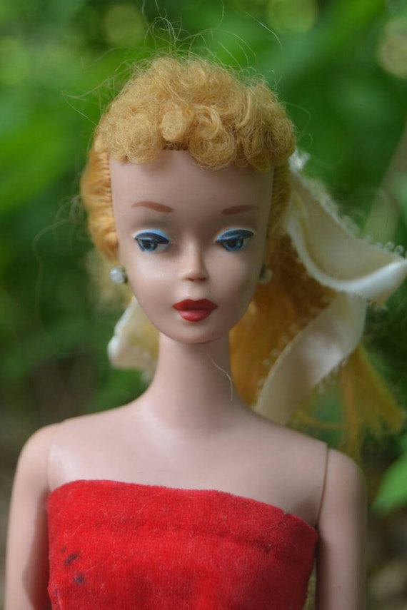 Vintage Ponytail Barbie WHITE SUNGLASSES #850