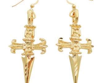 Blake Lively's 24kt gold dagger earrings in Savages