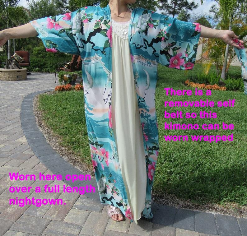 white Soft fabric No label Green Full length pink Removable self belt peach floral design VTG Vintage Oriental Kimono style robe