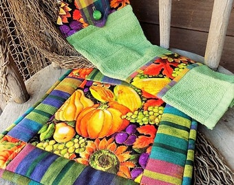 Fall Kitchen Towel Set, Hanging Cotton Towel and Hot Pad Gift Set, Autumn Harvest Dish Hand Towel and Quilted Pot Holder, Thanksgiving Table