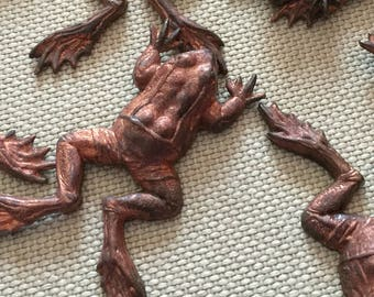Vintage Brass Frog Stampings (1)(38mm Long) Highly Detailed Beautiful Patina Stamping