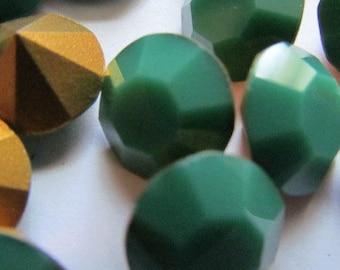 8 Vintage Swarovski Green Rhinestones Opaque Goldfoil Faceted Back Stones