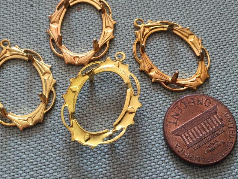 4 Vintage Brass Settings Findings