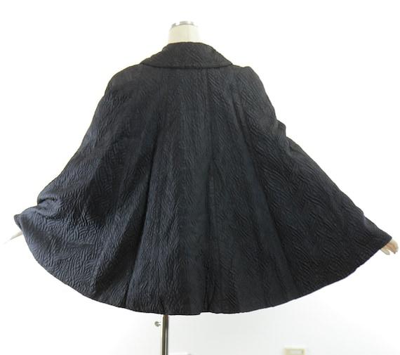 Vintage 40s black cape quilted evening wrap  capl… - image 4