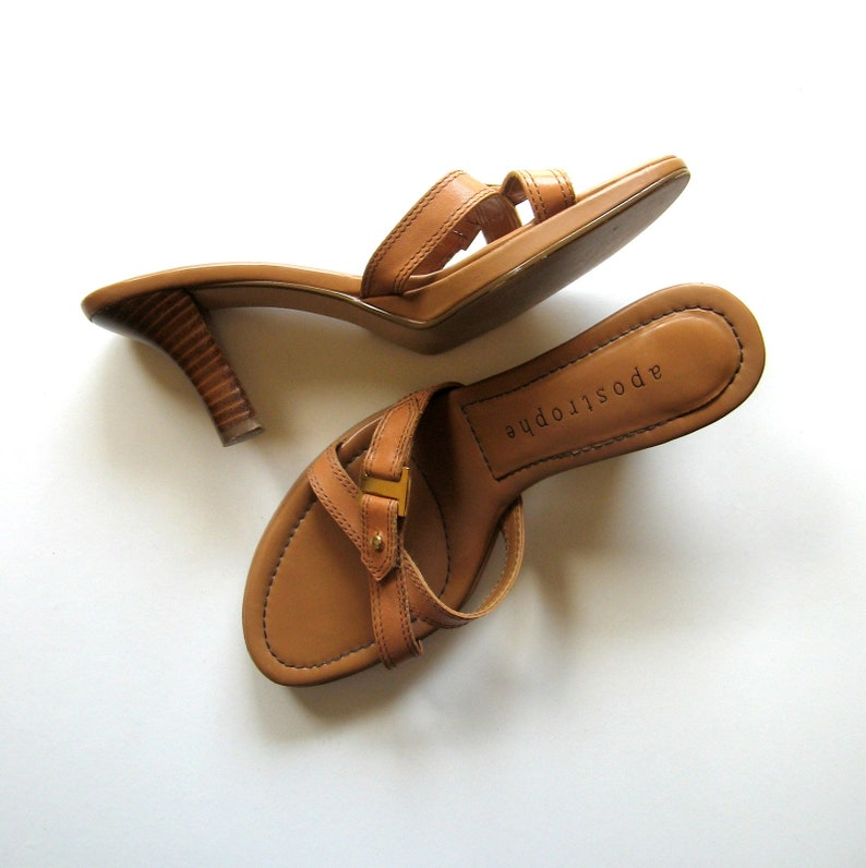 031d3b4412cae Vintage Sandals - Apostrophe - Melrose - Slip on sandals, Brown leather,  Straps, Gold buckle, Wooden heels, Made in China, Size 6.5M