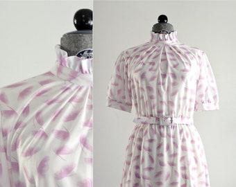 Ruffle Dress • 1970s Day Dress • Ginkgo Dress • 70s Dress • Ginkgo Print Dress • Novelty Print Dress • Summer Dress • Gingko Leaf Dress