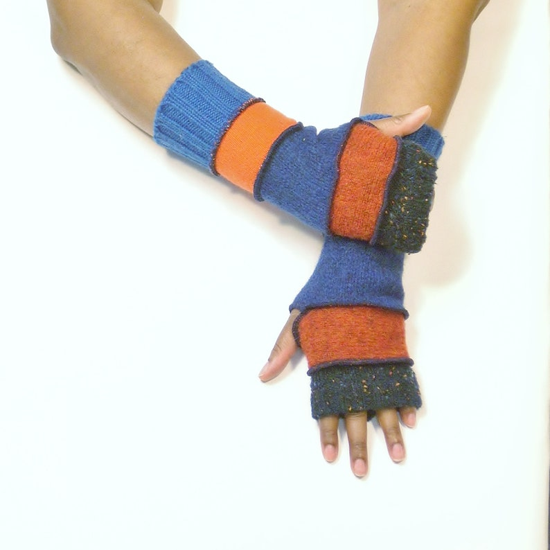 Fingerless Gloves Wrist Warmers Speckled Navy/Rust/Dark image 0