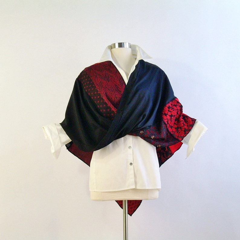 Mobius Shawl/Mobius Scarf/Twisted Mobius Wrap/Red and Black image 0