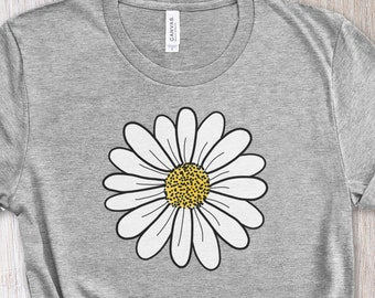 Daisy Tee Shirt, Flower T-Shirt, Floral Shirt, Daisy Lover Gift, Hand Drawn Daisy, Plant Shirt, Gardening Gift, Teacher Gift, Gift for Her