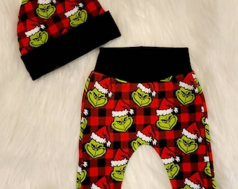The Grinch Knit Baby Pants - Christmas Baby Outfit - The Grinch Plaid Pants & Hat Holiday Baby Set - Baby Shower Gift - Grinch Baby Hat