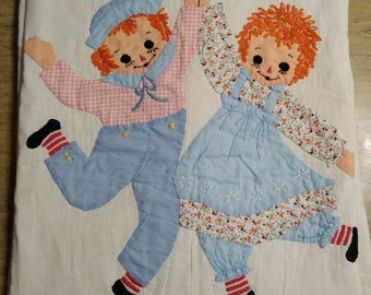 Raggedy Ann and Andy handmade 1950s baby blanket
