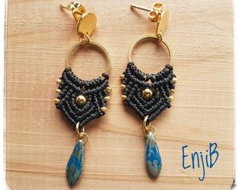 Micro macramé earrings, black, gold beads, brass and steel, Boho chic style, ethnic, Macrame earrings, earrings, studs