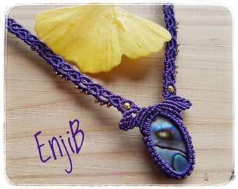 Micro macramé necklace, purple, mother-of-pearl, brass and steel, ethnic or tribal style, Bohemian, Macrame necklace