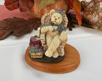 Vintage - Cottage Collections - Resin Bear - Emily Tea Time