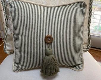 Decorative Pillow - green stripe