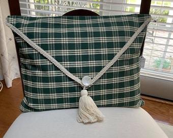 Decorative pillow - Forest Green plaid