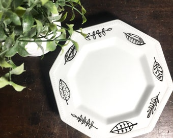 Handpainted Modern Black and White Dishes, Leaves Pattern, Candle Dish, Trinket Dish, Jewelry Tray, Nordic Style