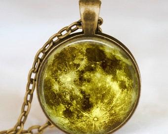 Verde collar de luna, luna llena joyas, colgante de la luna, Luna, luna de la joyería, colgante de espacio