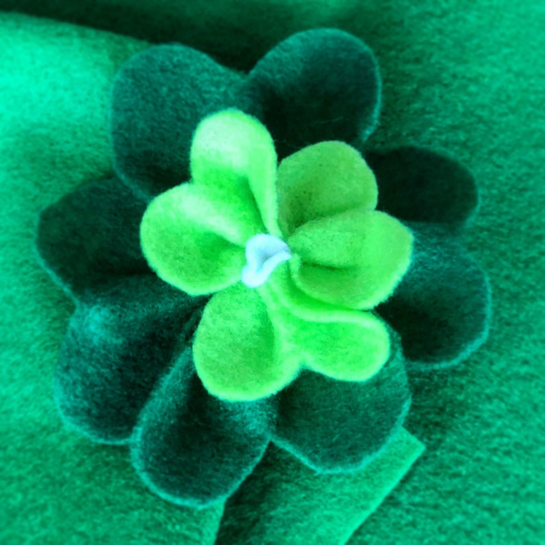 ShamrockClover Clip for hair or clothes