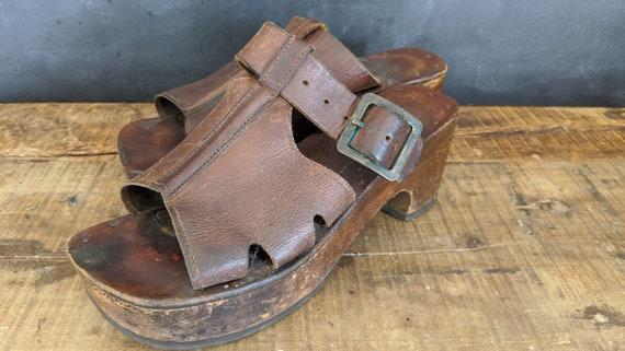 VINTAGE PLATFORM SHOES 1960s 1970s Leather Wood Mu