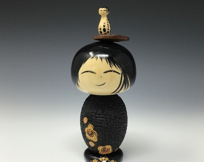 New design! Kokeshi with a stand