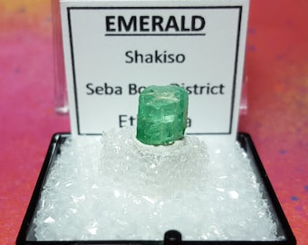Rare Ethiopian EMERALD Bright Green Emerald (Beryl) Gemstone Crystal With Etched Termination Mineral Specimen In Perky Box From Ethiopia New