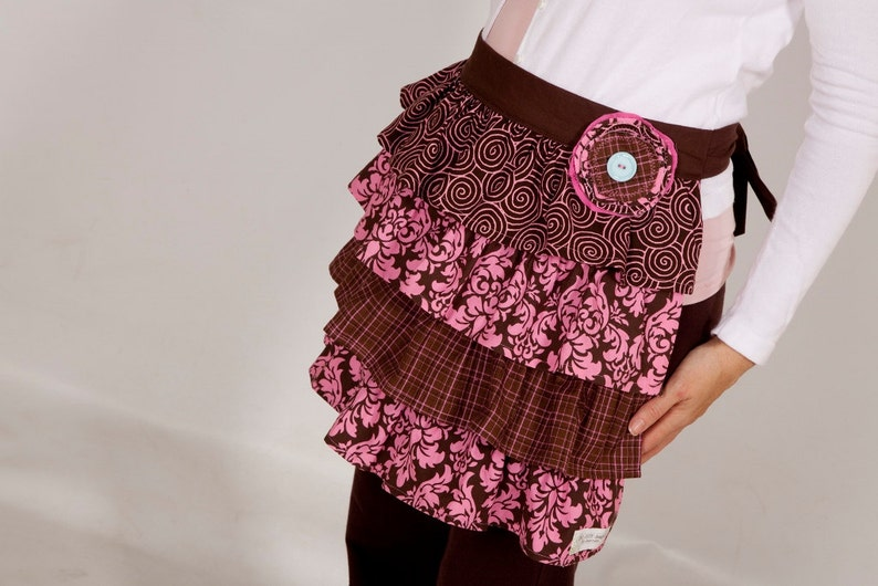 SaMPLE SaLE* REaDY 2 ShIP*pink and brown ruffle half  Apron Womens in size S-M-L-XL CLEaRANCE