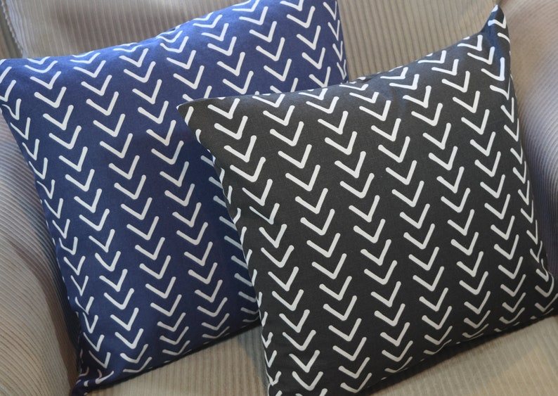 Modern Geometric Arrow Print Black or Navy pillow cover only image 0