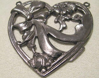 Large Gun Metal Finish Heart with 2 Rings
