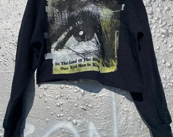Eye sweatshirt black size m . In the land of the blind . The one eye man is king