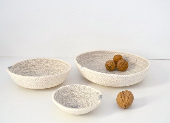 Entryway key bowls made of cotton rope in a set of 3 bowls in light grey. Other colours upon request. Jewellery holder- Office decor