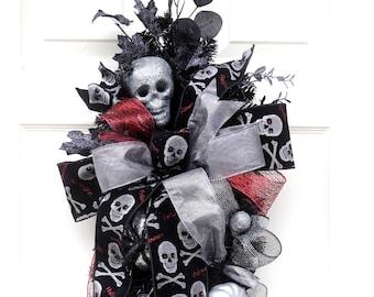 Skull Halloween Wreath, Silver Skull swag, Teardrop Fall Wreath, Spooky Silver and Black Door Hanger,  Halloween Decor