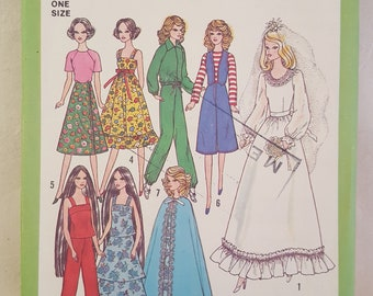 1977 Doll Clothing Pattern - Vintage Pattern -  Simplicity 8281 - Barbie Doll Pattern