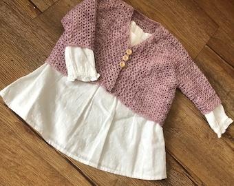 Bessie baby cardigan crochet pattern, with button or tie fastening, short sleeve or three quarter sleeves, seamless, beginner friendly