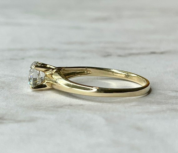 14K Solid Gold Round Cut Solitaire Engagement Rin… - image 3