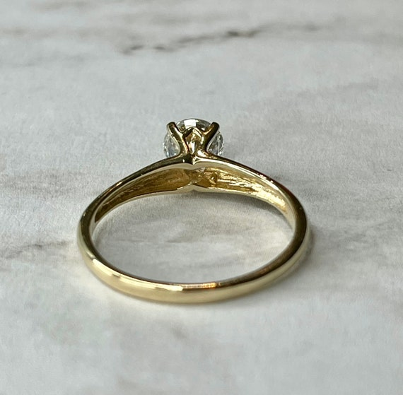 14K Solid Gold Round Cut Solitaire Engagement Rin… - image 2